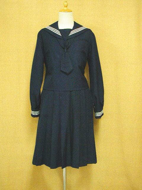 和洋国府台女子高等学校の冬制服